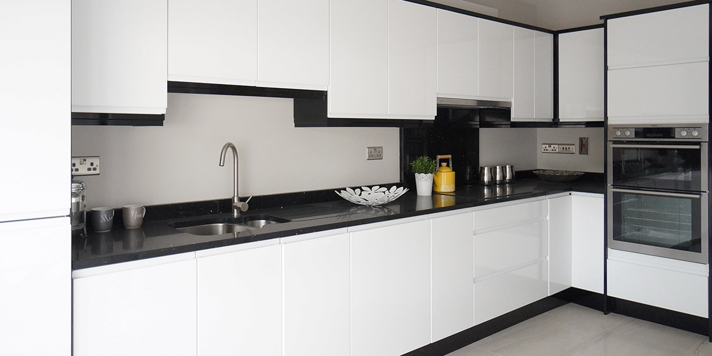 White high gloss kitchen cabinets kitchen cabinets gallery for High gloss kitchen cabinets